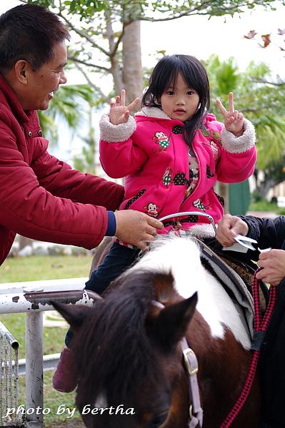 語宸第一次騎馬(理想大地).jpg