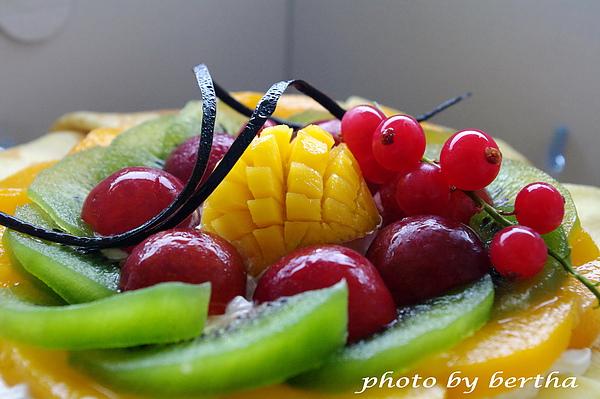 滿滿的水果.jpg