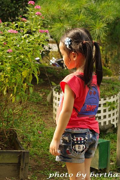 Isa 在葡萄樹莊園 白平衡的陰影.jpg