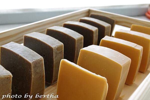 抹草橙花皂+蜂蜜牛奶皂.jpg