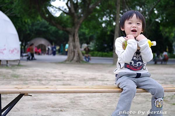 一豆在花博新生公園.jpg