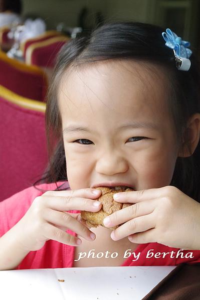 Isa 在葡萄樹莊園 用餐-5.jpg