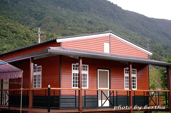 2011 1 29 花蓮行 老爸的家.jpg