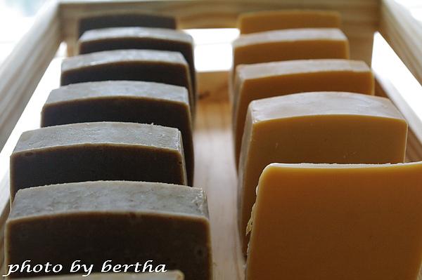 抹草皂+蜂蜜馬賽皂.jpg