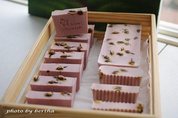 粉粉的手工皂.jpg