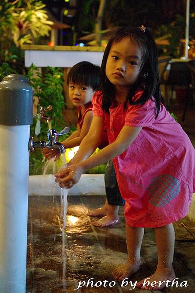 夜間洗手.jpg