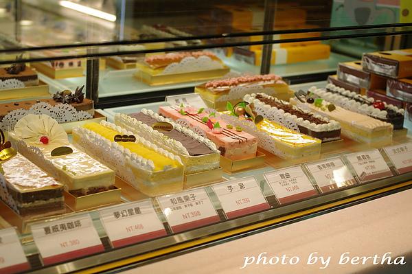 白木屋長條蛋糕.jpg