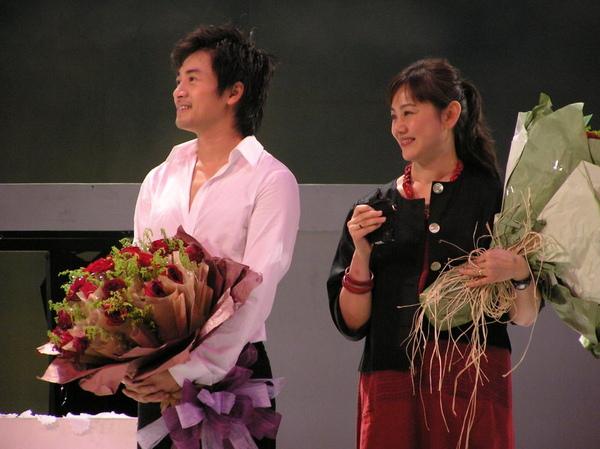 2006菊花香_末場謝幕 (13).JPG