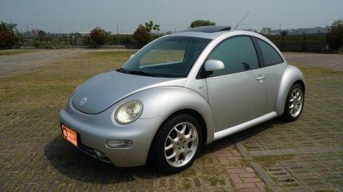 2000年 VW Beetle 銀色 福斯中古車.jpg