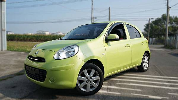 2012年 Nissan March 綠色 日產中古車