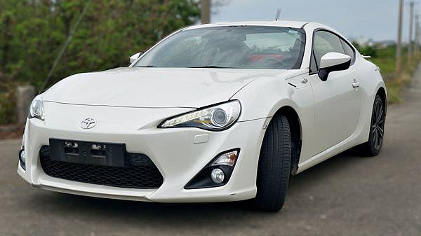 2013年 Toyota 86 白色 豐田中古車