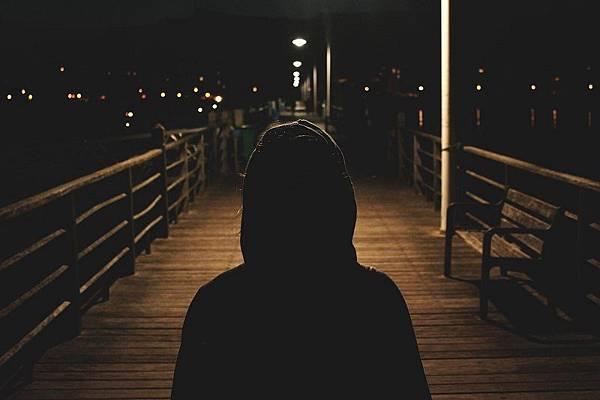 孤獨.jpg