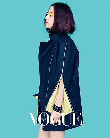 fx-Krystal-Vogue-March-2013-11