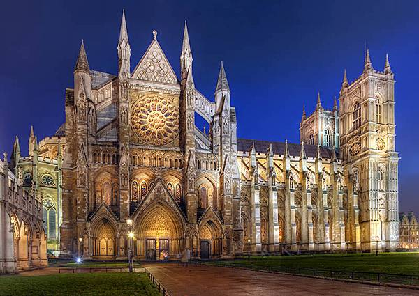 Westminster-Abbey-At-Night