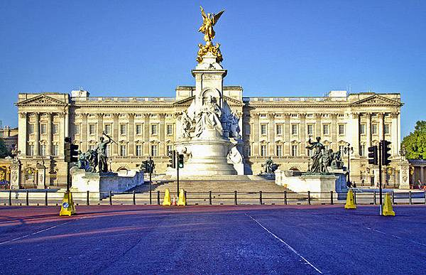 london-buckingham-palace-overview
