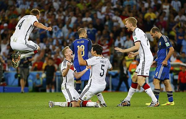 2014-07-13T220400Z_50215132_TB3EA7D1RXT1T_RTRMADP_3_SOCCER-WORLD-M64-GER-ARG