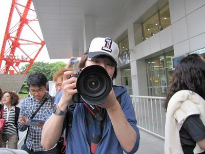東京見學-很愛照的同學之一