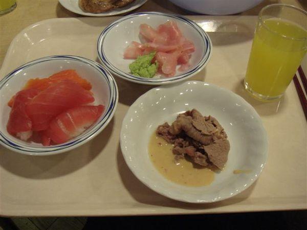 握壽司~飯還挺散的