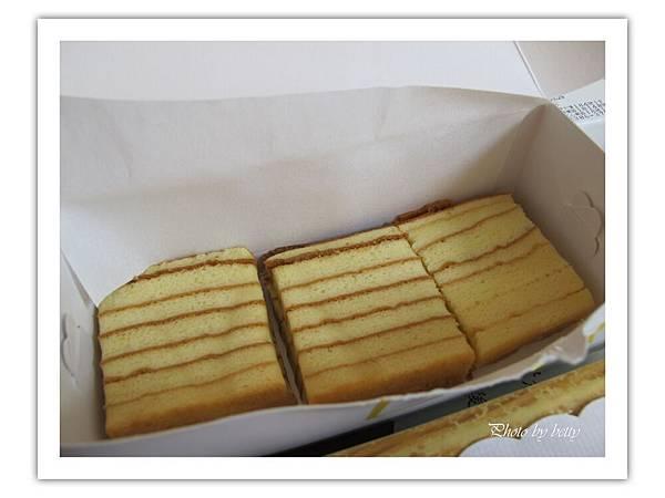 阿默彌月試吃-台灣蜂蜜千層蛋糕.JPG