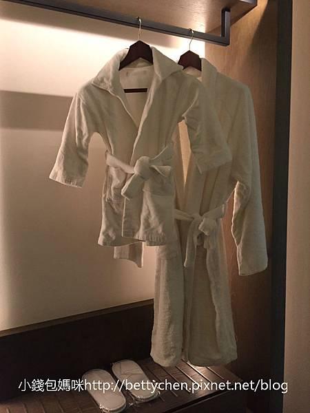 小孩浴袍-1_meitu_11.jpg