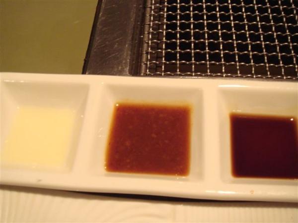 三種醬料~檸檬汁/醋/烤肉醬