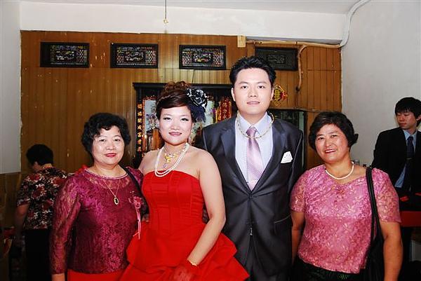 64 我的二姨小姨.JPG