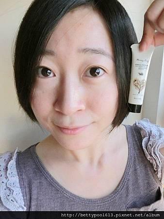 [女人知己試用]♥HoneyKey甜心魅惑香水蝸牛液♥讓我擁有迷人的髮香誘惑
