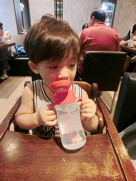 米奇水杯11