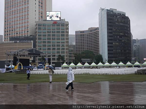 市廳站出來的首爾廣場