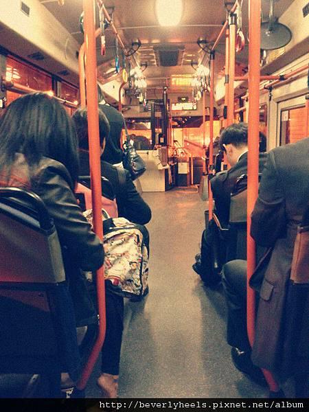 搭公車去狎鷗亭