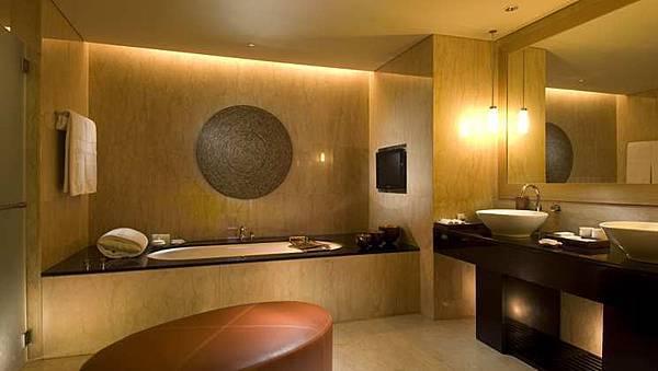 CN_suitebathroom01_11.jpg