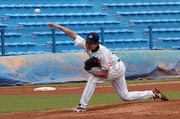 日本隊先發投手大瀨良大地(Daichi Osera)主投3局面對9名打者統統三振,令人驚艷。