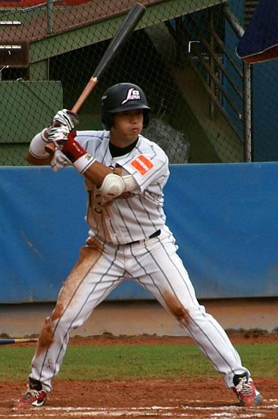 日本隊藤島琢哉(Takuya Fujishi)在第6局敲出二壘安打並跑回致勝分。