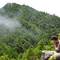 岩峰望尖石山