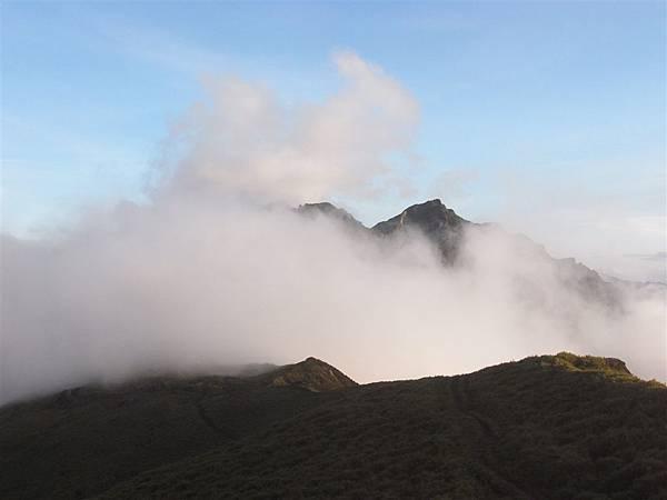 霧中奇萊裏
