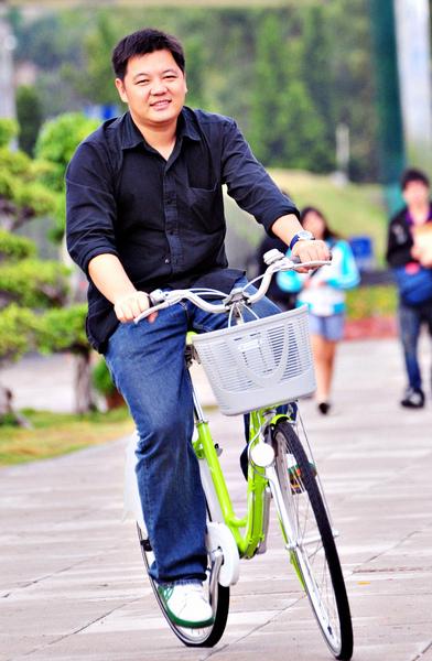 壽生-輕鬆自然騎單車.jpg