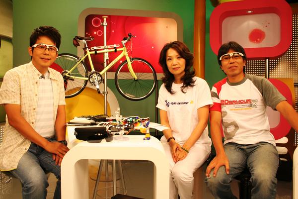 鎮國+Laura+Dino