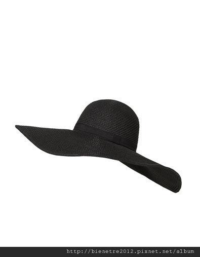 這帽子好好看 有紅的 黑的都好