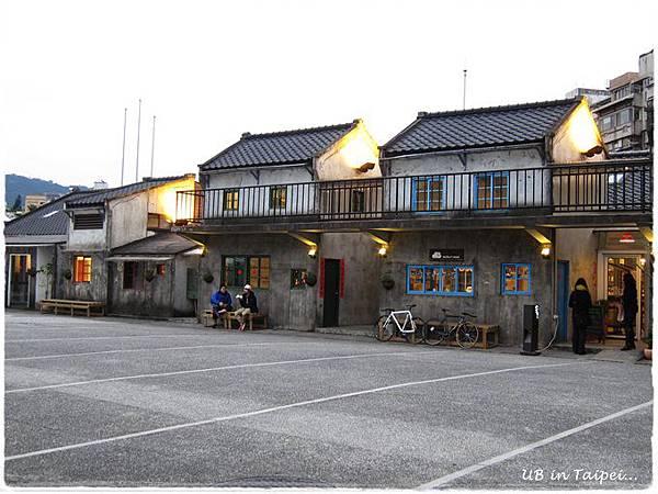 好丘-中庭.JPG
