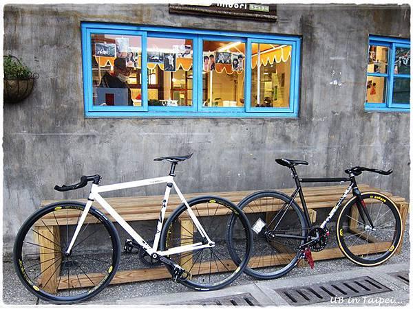 好丘-停放的腳踏車.JPG