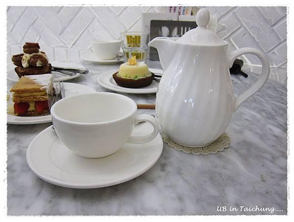 法米-茶具.JPG