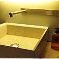 32行館-泡湯洗手台.JPG