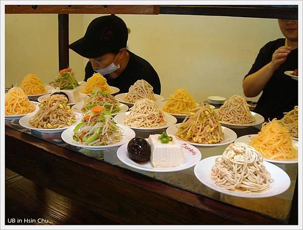 段純貞牛肉麵-小菜
