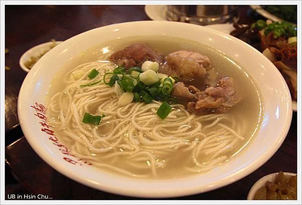 段純貞牛肉麵-雞汁湯麵