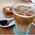 Fika Fika-冰牛奶咖啡.JPG