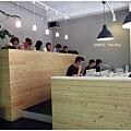 Fika Fika-兩排長桌.JPG