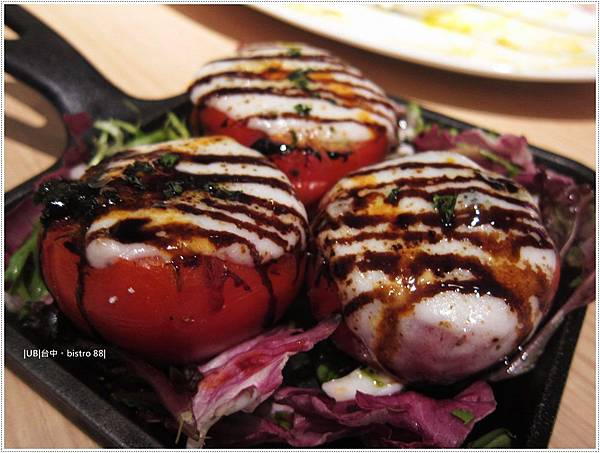 birstro-炆烤牛番茄襯莫查瑞拉乳酪.JPG