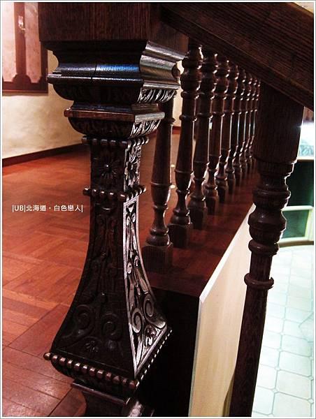 白色戀人-樓梯扶手.JPG