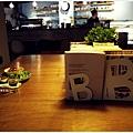 日常生活-方桌.JPG