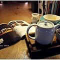 日常生活-咖啡書.JPG